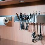Рейлинг с полкой для кухонных принадлежностей. полки для рейлинга на кухню.